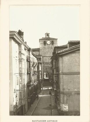 120 - Calle del Puente, al fondo La Catedral