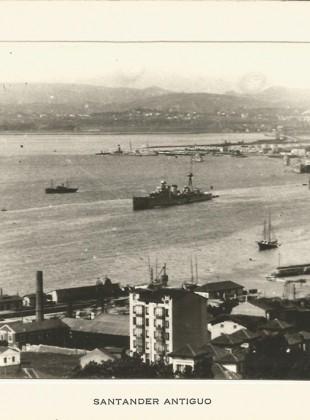 132 - La bahía con barcos de la Escuadra Española