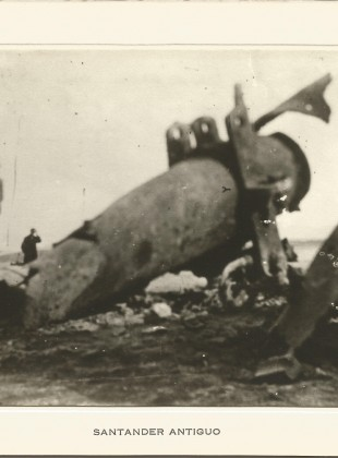 """138 - Restos de un mastil del """"Cabo Machichaco"""""""