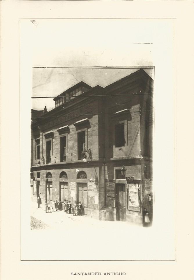 26 - Teatro Principal. Calle del Arcillero