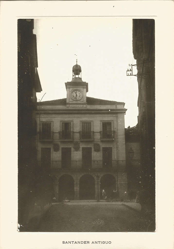27 - Ayuntamiento. Plaza Vieja