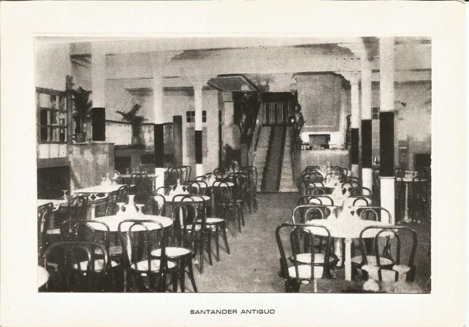 """43 - Interior del café """"Royalty"""". Ribera"""