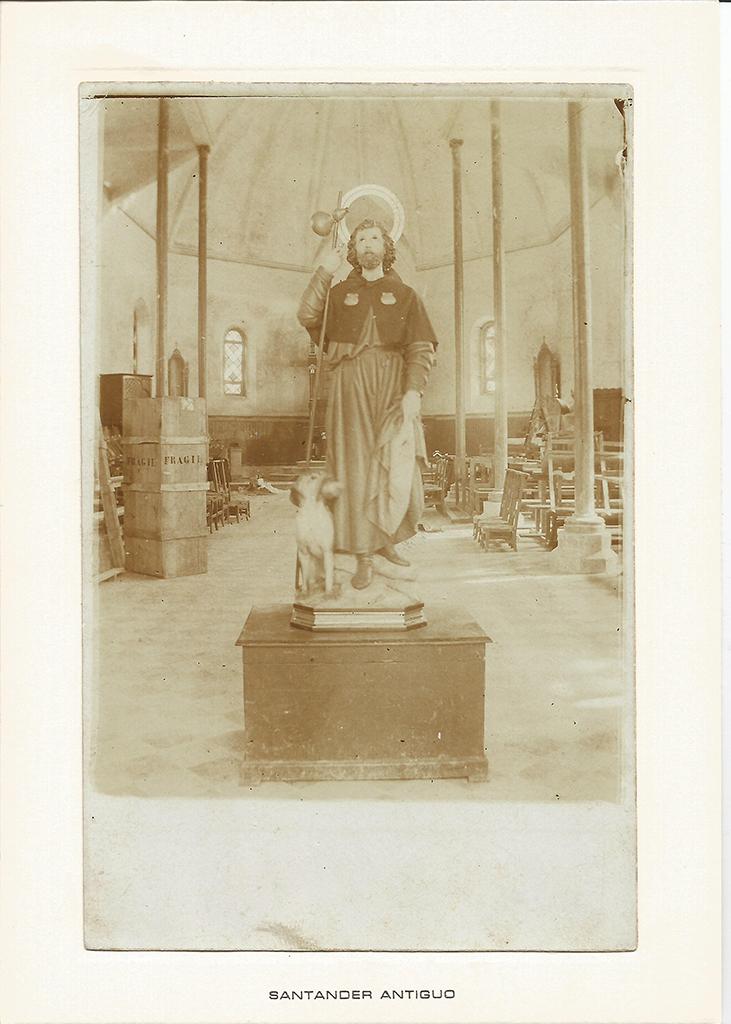 69 - Interior de la Iglesia de San Roque. Antes de su derribo