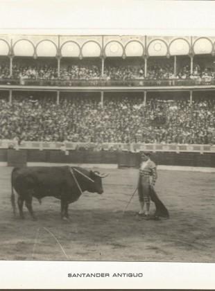 146 Juan Belmonte en una faena en la Plaza de Cuatro Caminos